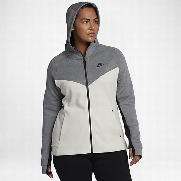 548b46a1328 Nike Sportswear Tech Fleece Full Zip Plus Size